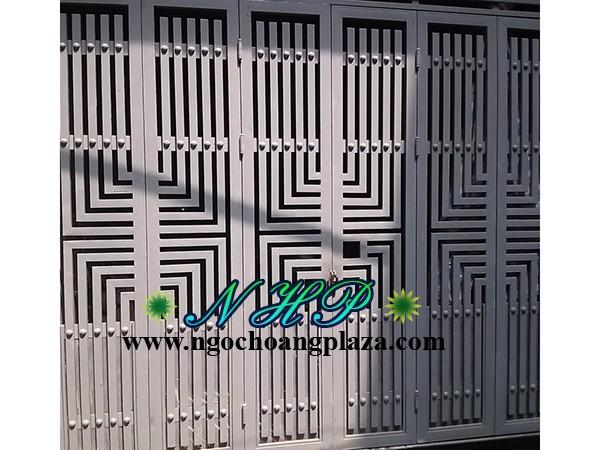 Làm cửa sắt chung cư đẹp tại TP HCM
