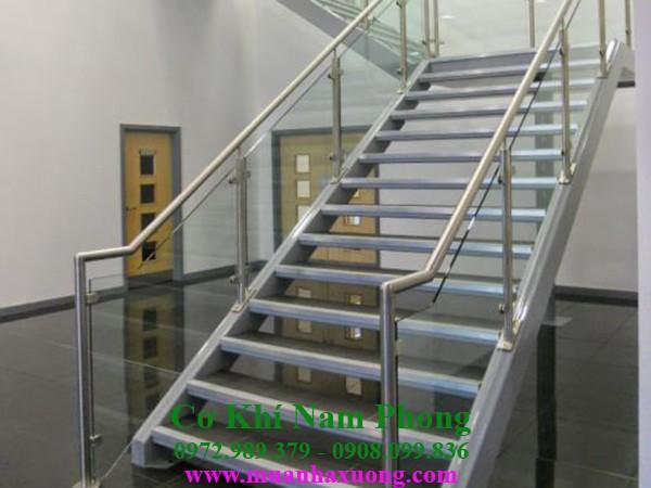 Mẫu cầu thang sắt đơn giản